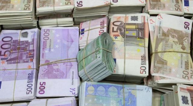 krediti 100 % od garanciju privatni od 2.000 eura ima 50.000.000 eura.