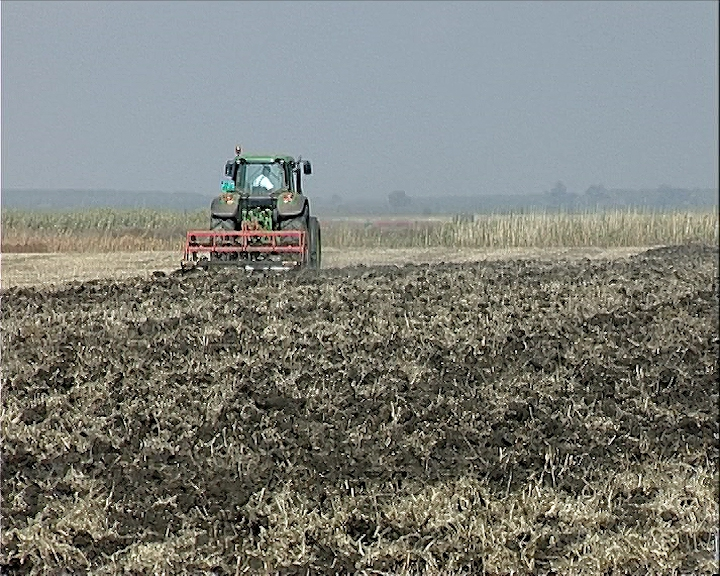 U Republici Srpskoj potpisani ugovori o dodeli nepovratnih podsticajnih sredstava sa 30 privrednika i poljoprivrednika.