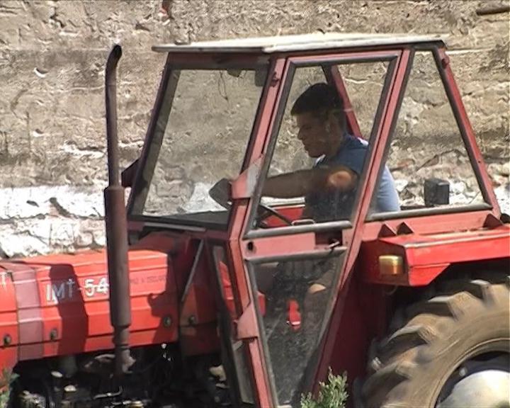 Umesto evro dizela, u traktore sipaju jestivo ulje