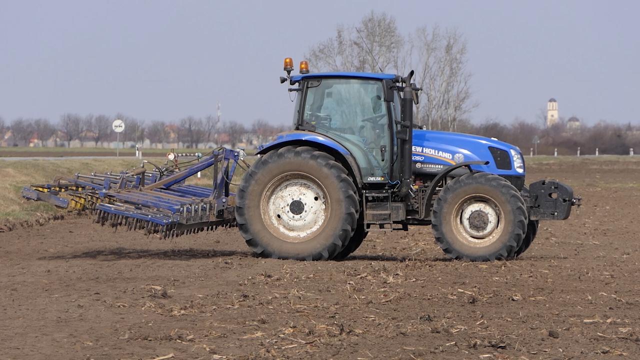 U toku priprema zemljišta za prolećnu setvu