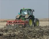 Zaoravanje žetvenih ostataka, đubrenje i obrada zemljišta