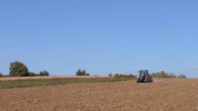 Srpski poljoprivrednici i dalje čekaju na plavi dizel