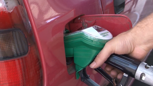 Traži se pravičan model za regresiranje cene nafte