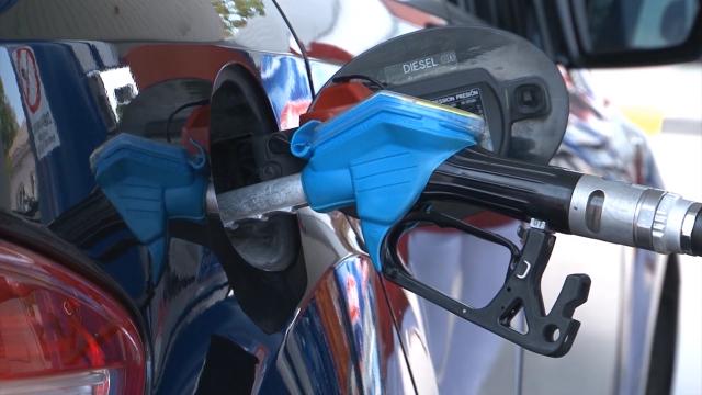 Nafta pojeftinila, gorivo poskupelo