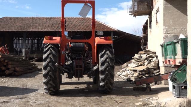 Prvi traktor iz IPARD-a stigao u Rasinski okrug