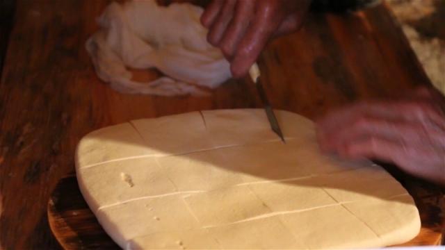 Uz speijalitet kuće, rolovani sir, tu su i drugi proizvodi