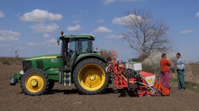 Podstaći razvoj tržišno orijentisanog agrara
