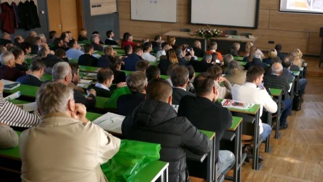 Okupljanje voćara na savetovanju u Novom Sadu