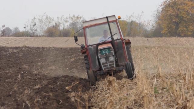 Niko neće kazniti poljoprivrednika u povratku sa njive