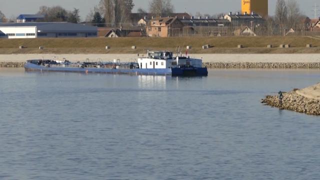 Brod za promociju vina u Sremskim Karlovcima