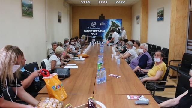 Sastanku prisustvovale učesnice projekta