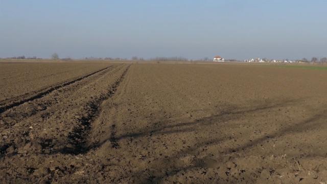 Potpuno drugačiji zakup poljoprivrednog zemljišta