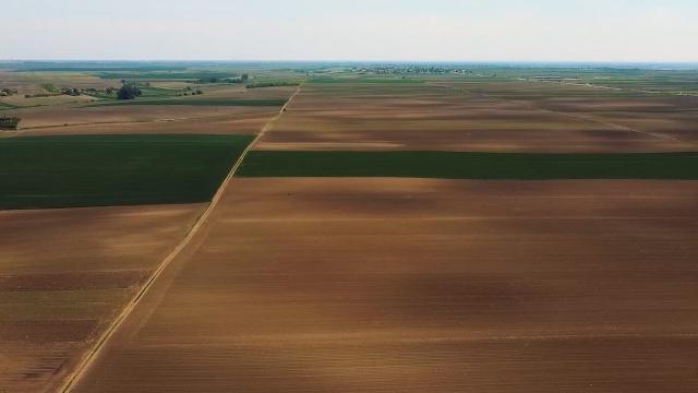 Višestruke mogućnosti za upotrebu poljoprivrednih dronova